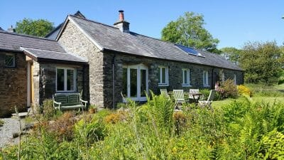 Cwt Mochyn holiday cottage - super king or twin room
