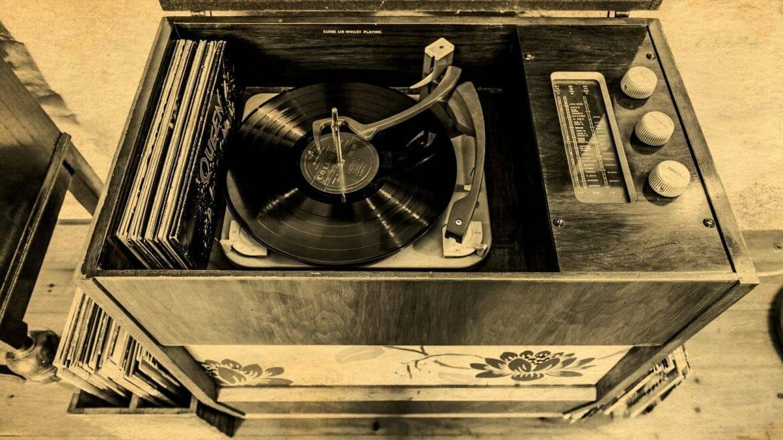 Hen Ffermdy holiday cottage - Radiogram