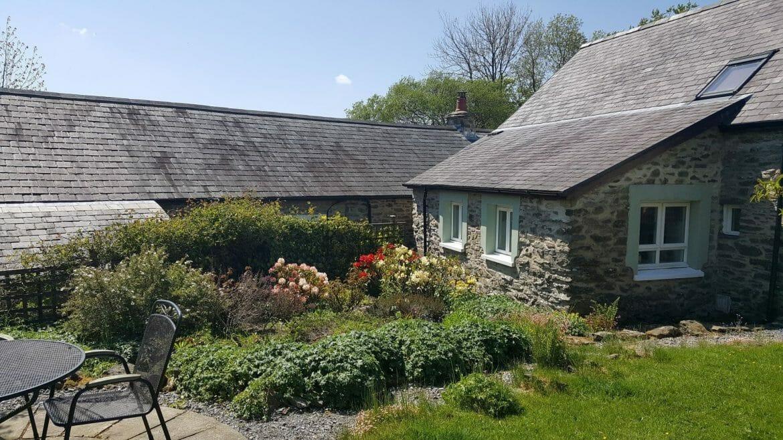 Hen Ffermdy holiday cottage - kitchen garden