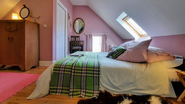 Kingsize mezzanine bedroom